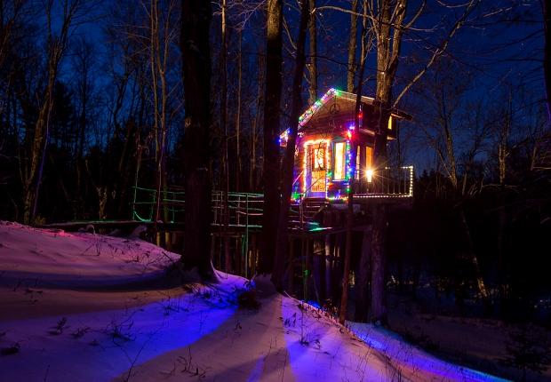 treehouse-night-620x430